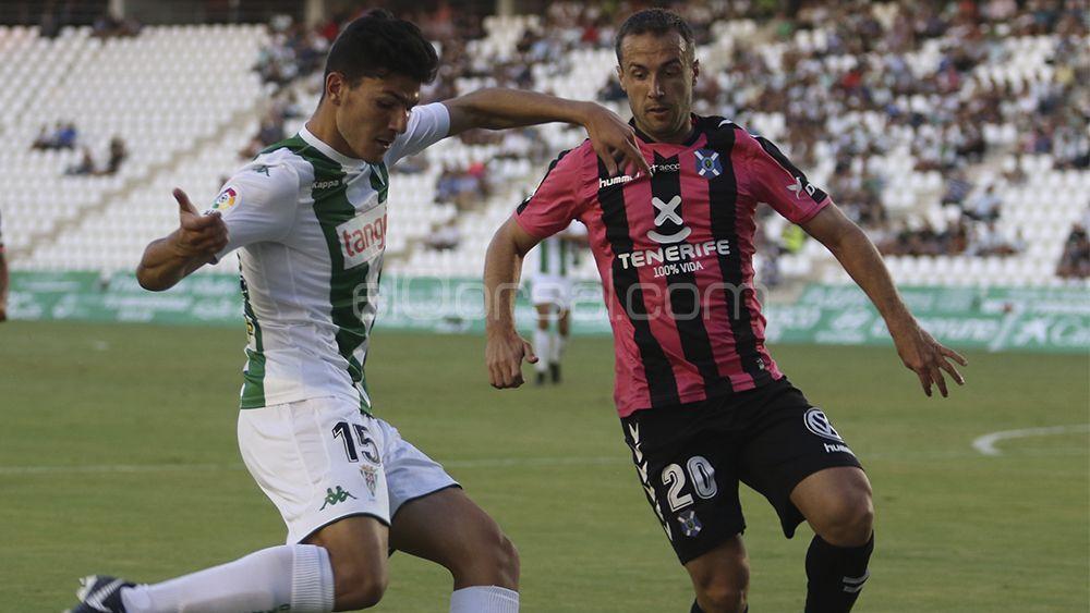 El CD Tenerife rompe los maleficios de Copa y de El Arcángel