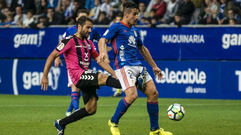 Aitor Sanz, elegido mejor jugador del CD Tenerife en el Carlos Tartiere