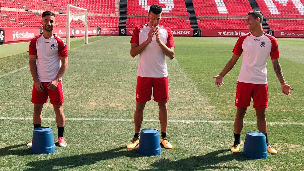 Omar Perdomo y Maikel Mesa se someten al desafío 'Keepy-uppy'