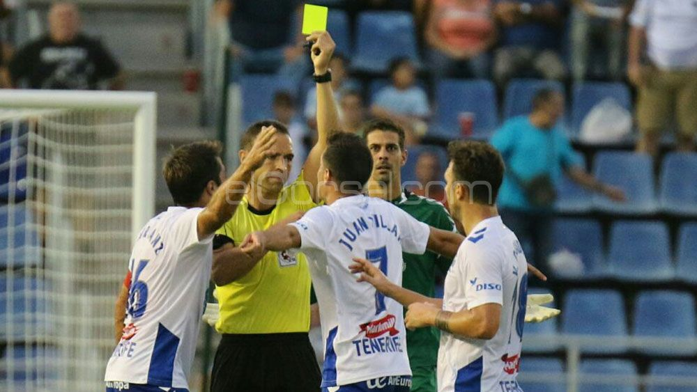 Reparto de puntos en un CD Tenerife – CD Numancia lleno de polémica