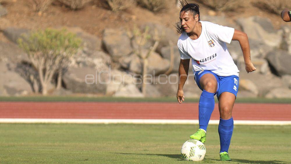La delantera de la UDG Tenerife Martín-Prieto, enemiga íntima en Huelva