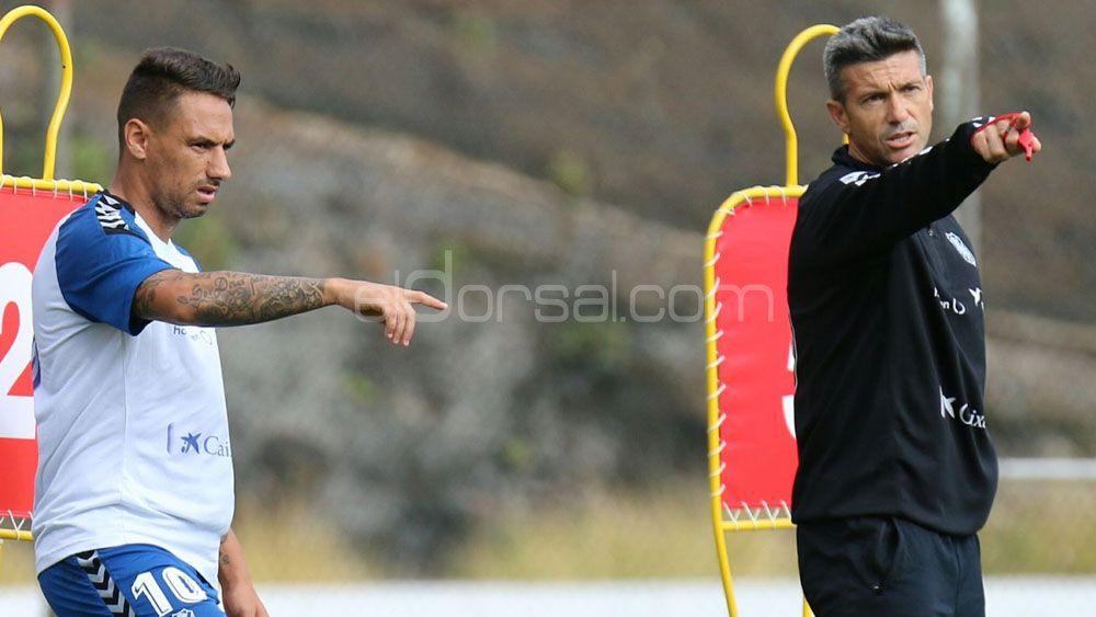 """Suso: """"Poner en duda al entrenador del CD Tenerife me parece una falta de respeto"""""""
