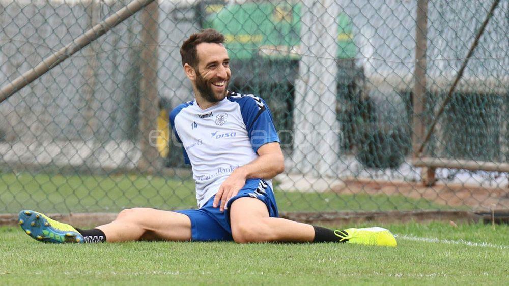 Carlos Ruiz vuelve a entrenarse con el CD Tenerife