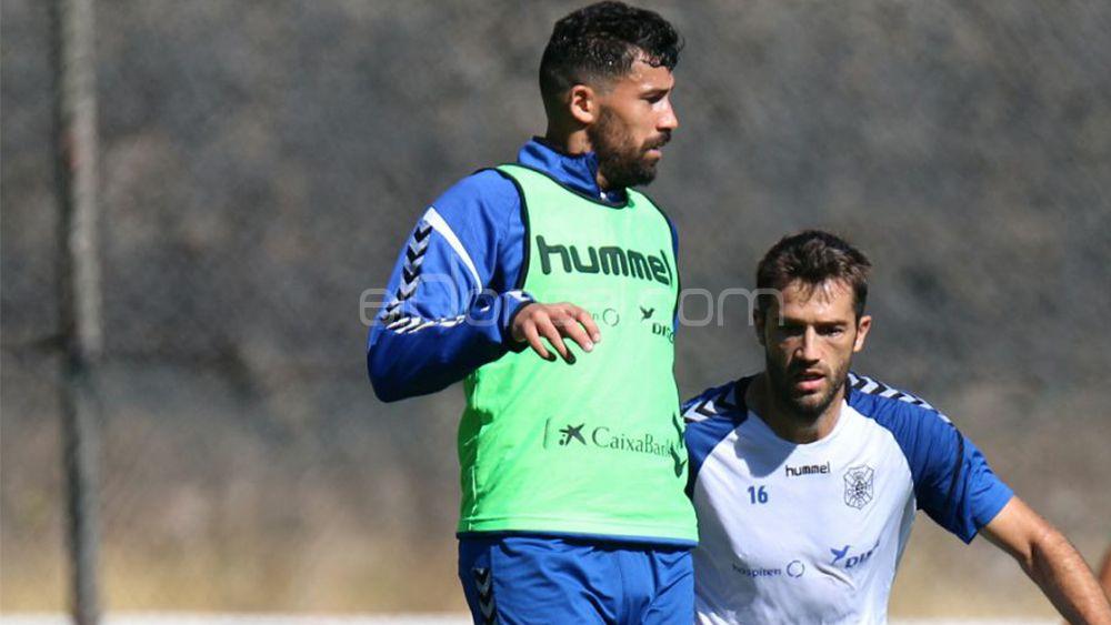 La afición del CD Tenerife quiere a Alberto en lugar de Vitolo
