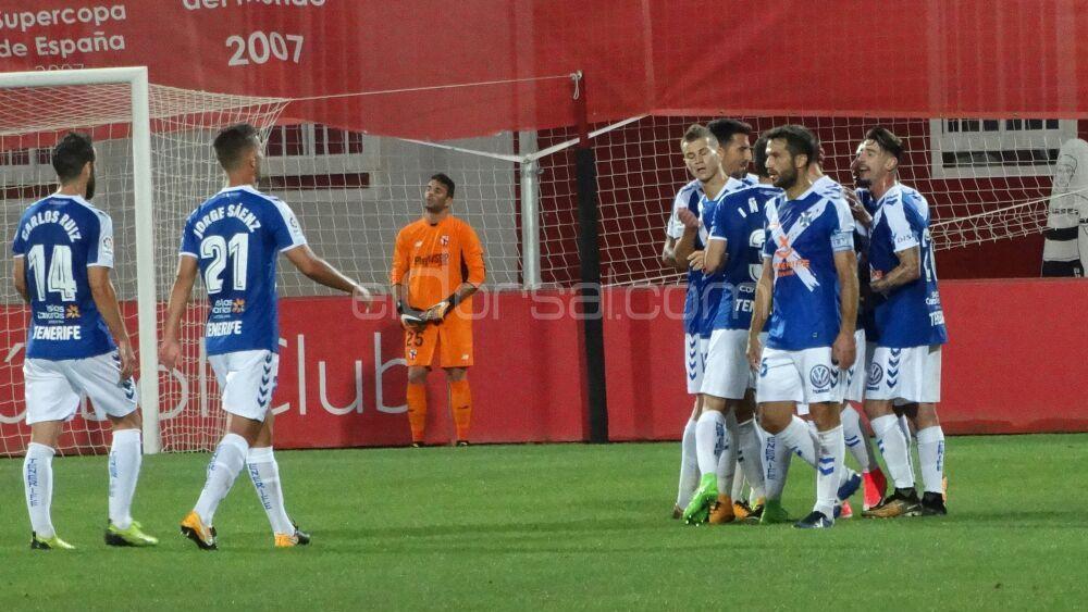 El gol de Longo para el CD Tenerife y el error garrafal en el tanto del Sevilla Atlético