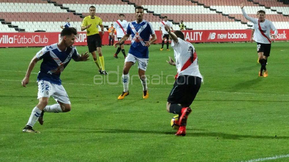 """Los jugadores del CD Tenerife coinciden en que """"hay que dar más"""""""
