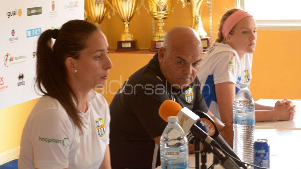 Las jugadoras de la UDG Tenerife, satisfechas con el empate ante el Valencia CF