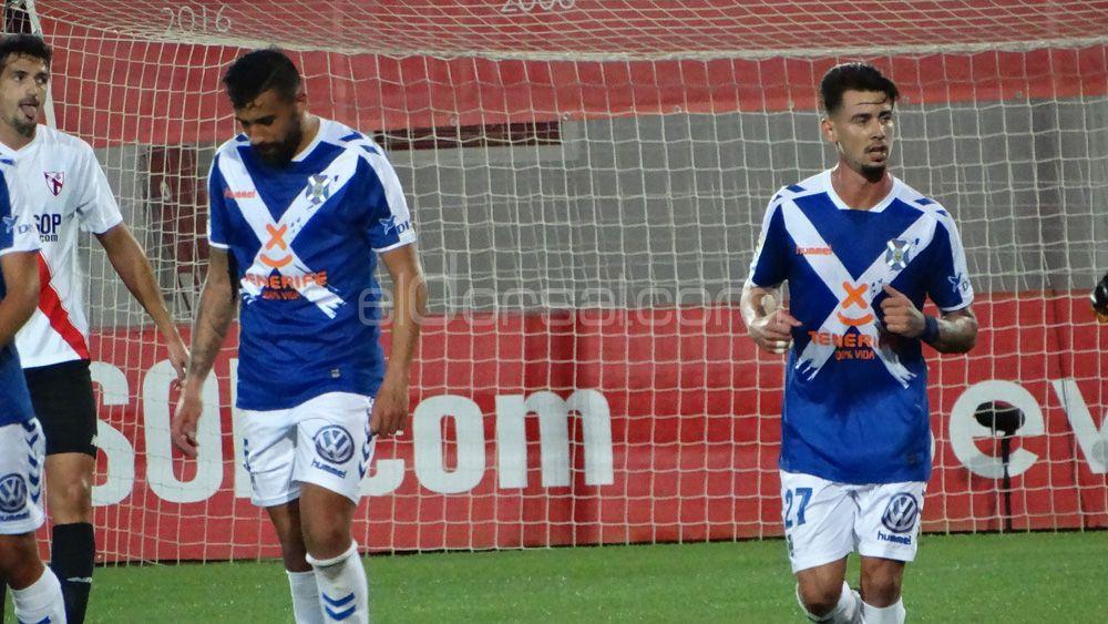 El agridulce empate cosechado por el CD Tenerife en Sevilla, en imágenes