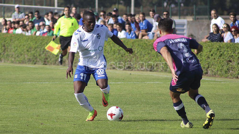 Faridi Mussa y Samuel Arbelo también harán la pretemporada con el primer equipo del CD Tenerife
