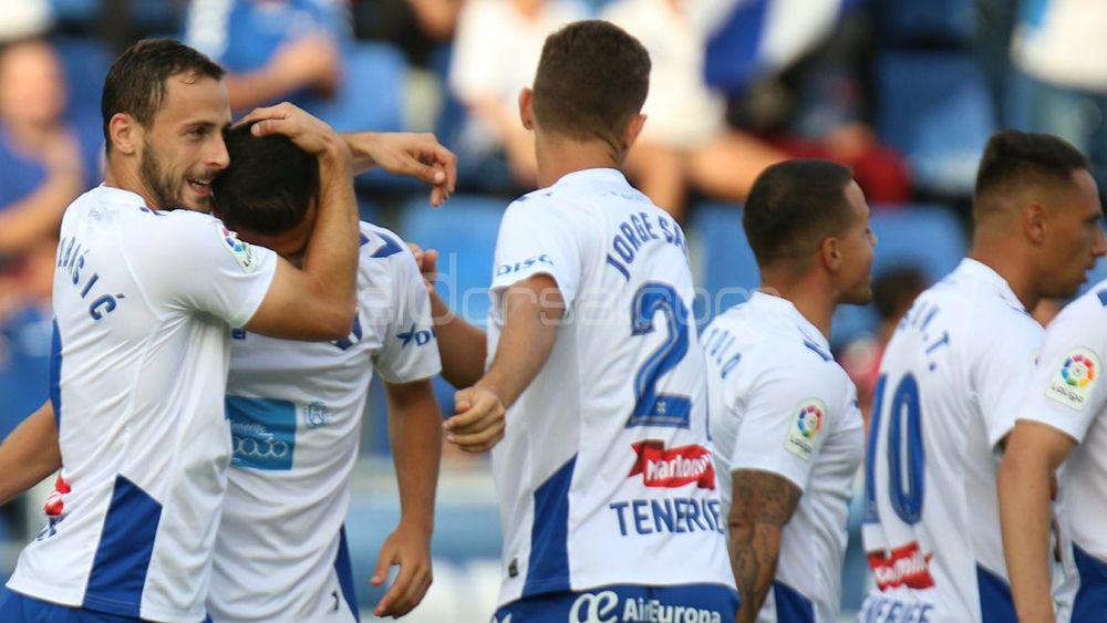 El CD Tenerife, ante una jornada en la que puede volver al playoff