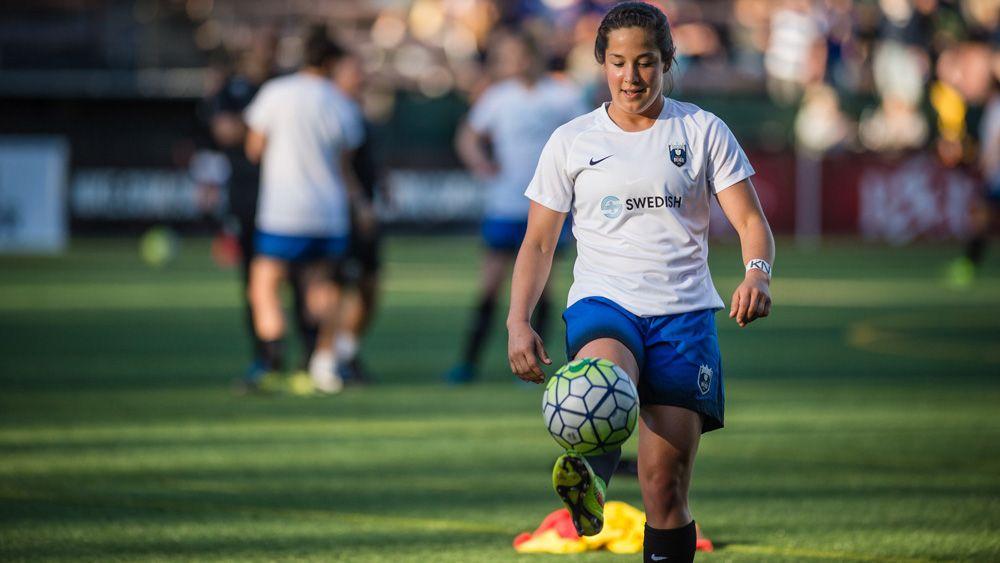 La central norteamericana Paige Nielsen, a prueba con la UDG Tenerife