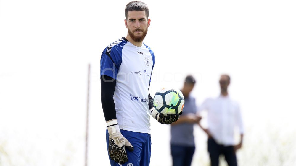Carlos Abad-Hernández podría causar baja en el Huesca – CD Tenerife