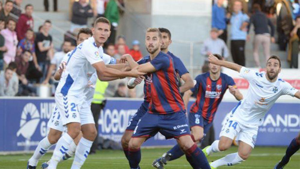 Los errores del CD Tenerife en la derrota ante el líder de la Liga 1|2|3, la SD Huesca