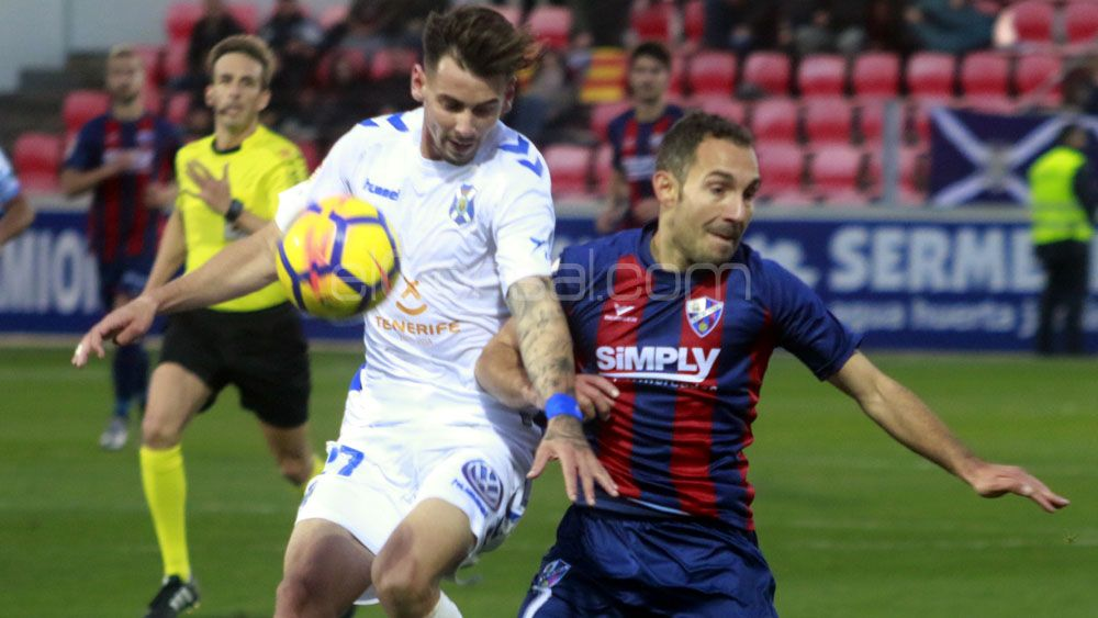 El CD Tenerife, a vencer al Huesca en el Heliodoro 36 años después
