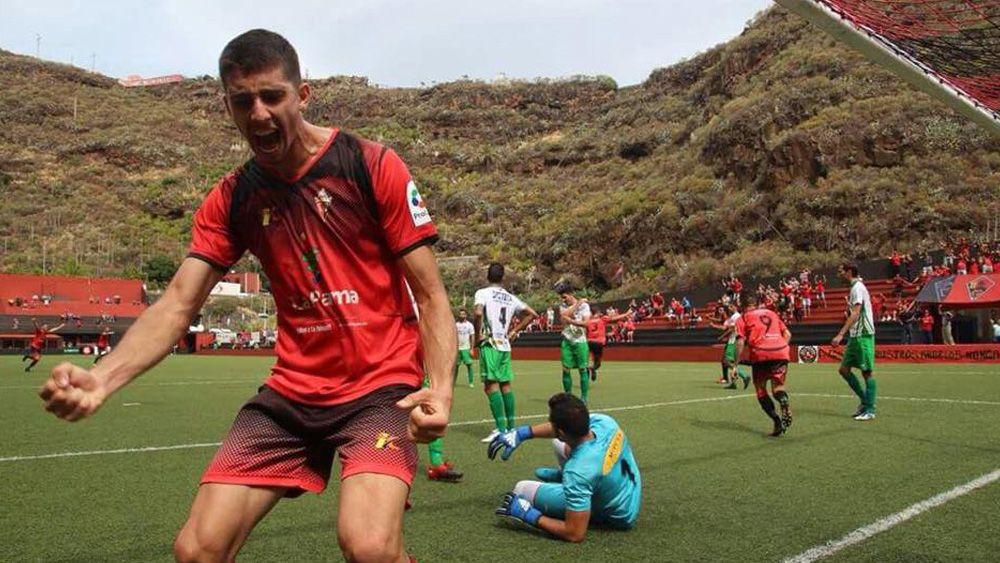 El derbi palmero entre CD Mensajero y UD Los Llanos, partido estrella en la Tercera Canaria