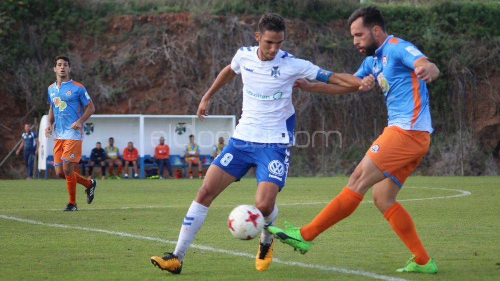 El CD Tenerife B suma un importante punto ante el San Mateo que refuerza su liderato