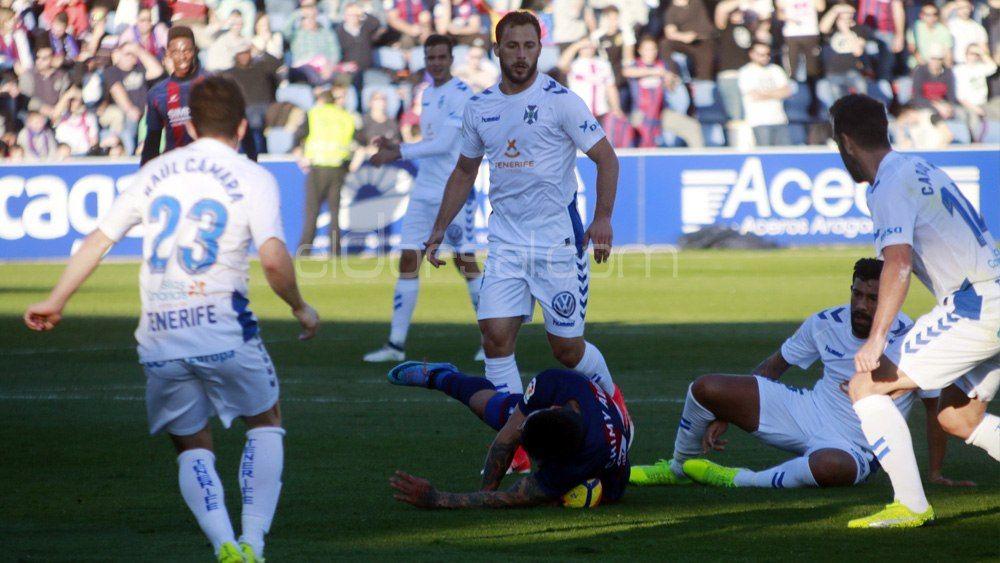 Dos victorias en los últimos ocho partidos, pero el CD Tenerife no ve lejos el playoff