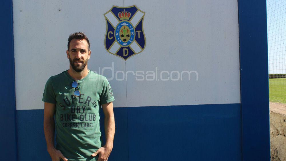 """Carlos Ruiz: """"Los que llevamos más tiempo en el CD Tenerife hemos demostrado que valemos"""""""