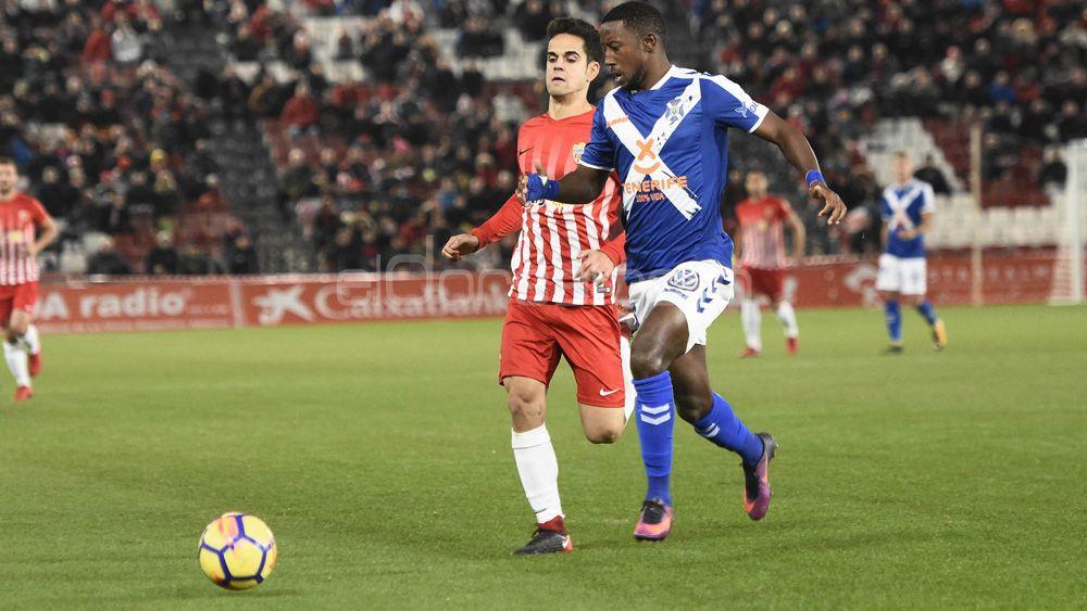 Camille cumple medio centenar de partidos en el CD Tenerife