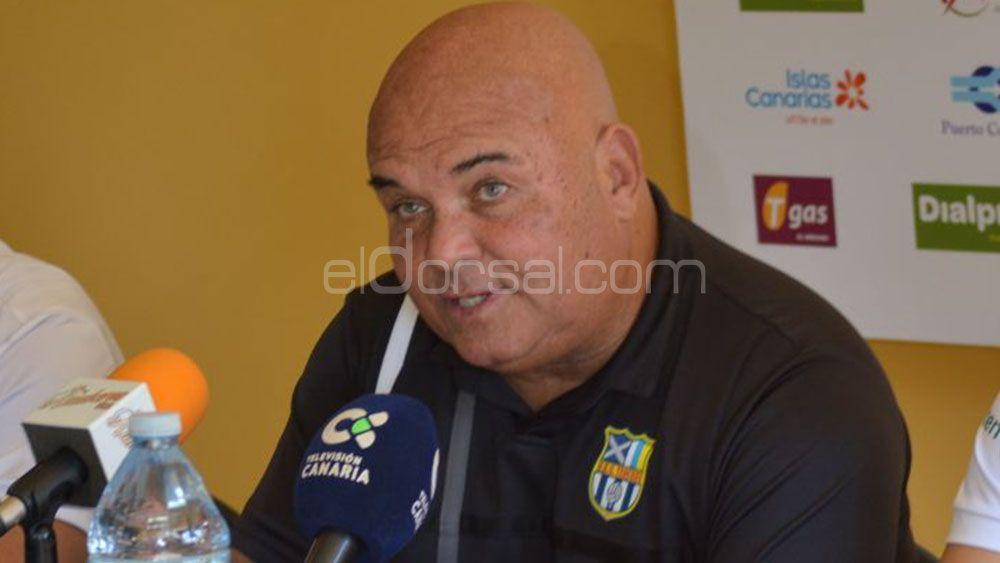 """Toni Ayala: """"El fútbol tenía que ser justo con la UDG Tenerife"""""""