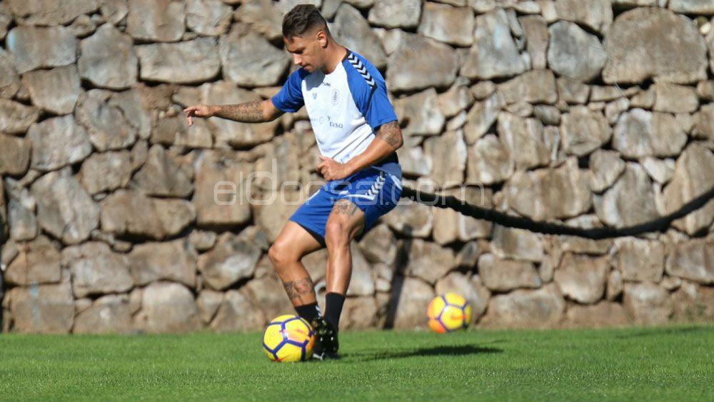 El capitán del CD Tenerife Suso Santana, acorta plazos para volver antes de 2018