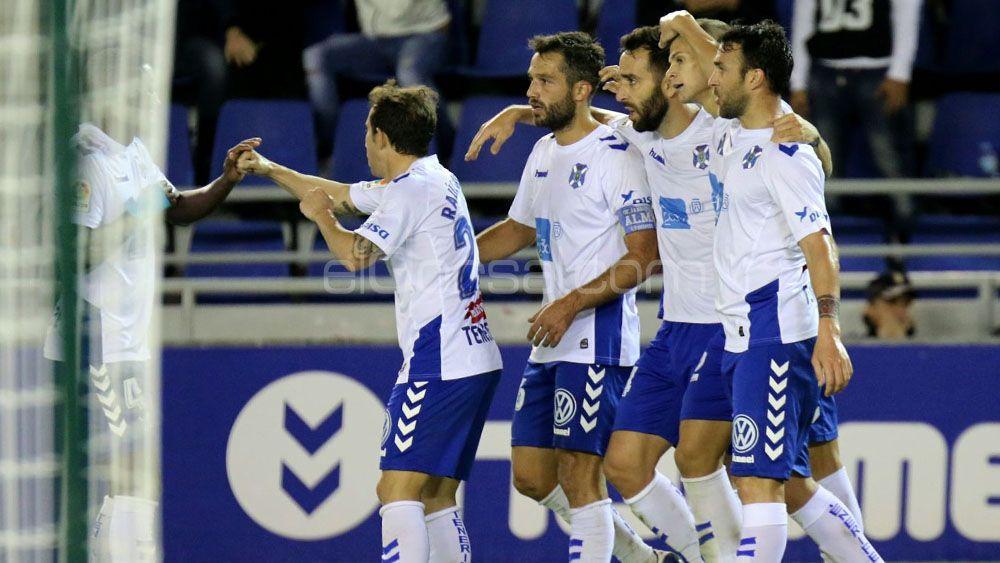El doblete de Longo y el tanto de Aitor Sanz para el triunfo del CD Tenerife