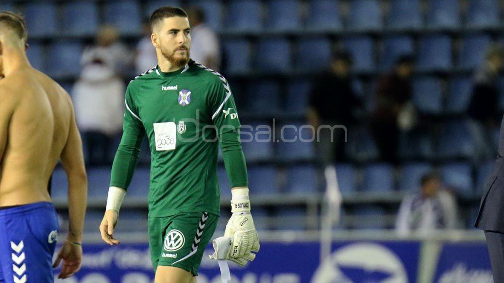 """Carlos Abad-Hernández, """"feliz"""" y con ganas de tener continuidad en el once del CD Tenerife"""