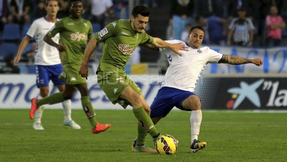 Tres victorias del CD Tenerife en El Molinón durante el presente milenio