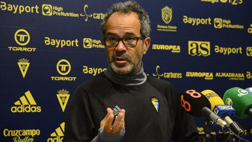 Álvaro Cervera 'tira' el partido ante el CD Tenerife