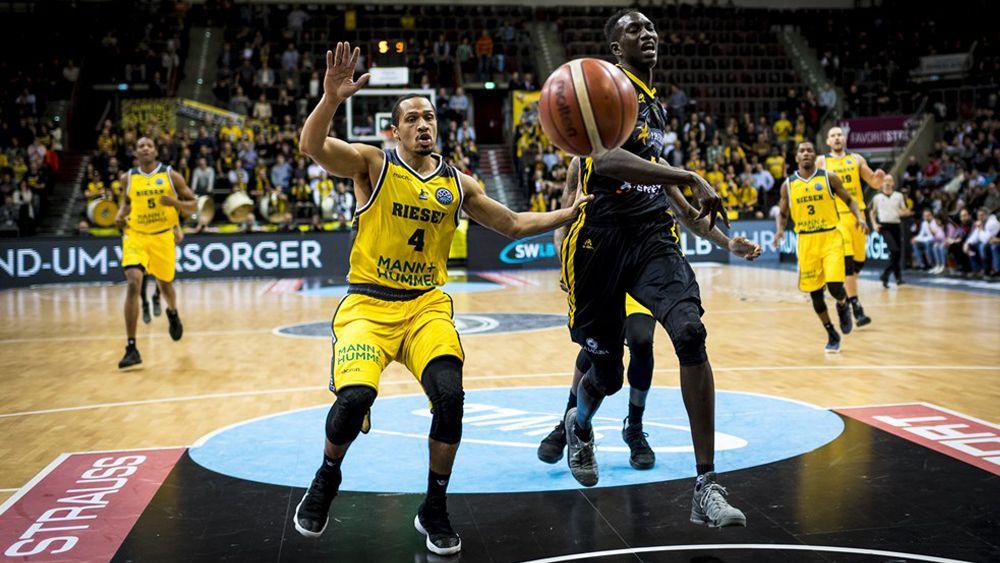 El Iberostar Tenerife conquista Ludwigsburg y se hace con el liderato de su grupo