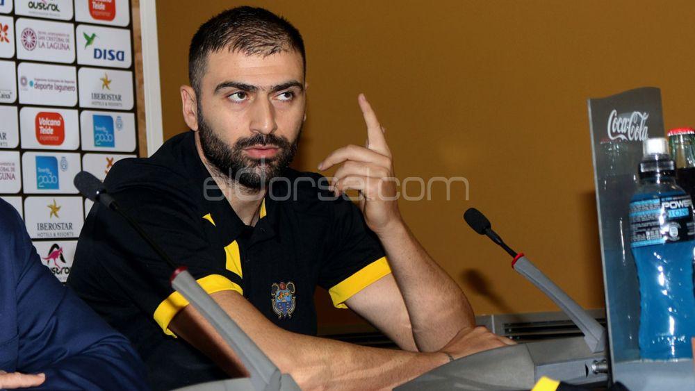 """Vasileiadis: """"Para ganarle al PAOK la defensa va a ser clave"""""""