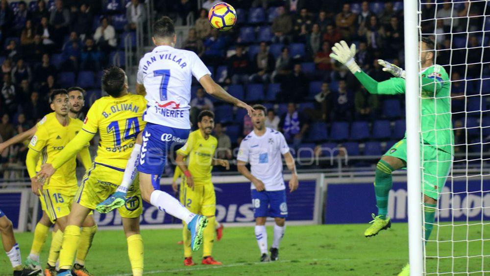El CD Tenerife rentabiliza los últimos diez minutos de los partidos