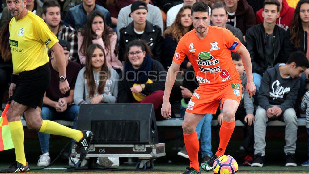 Omar Ramos firma con el Real Oviedo