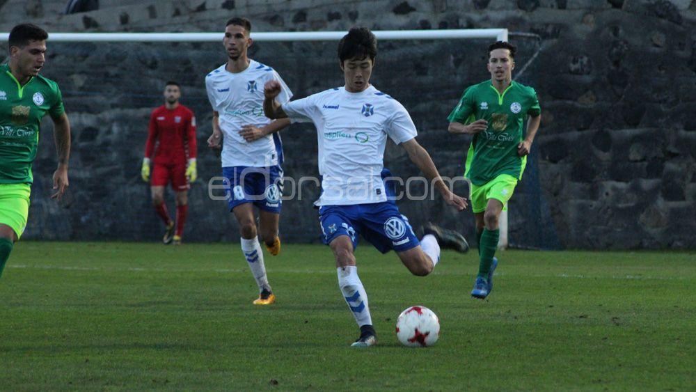 El CD Tenerife B afianza su liderato a pesar de empatar ante el Unión Sur Yaiza