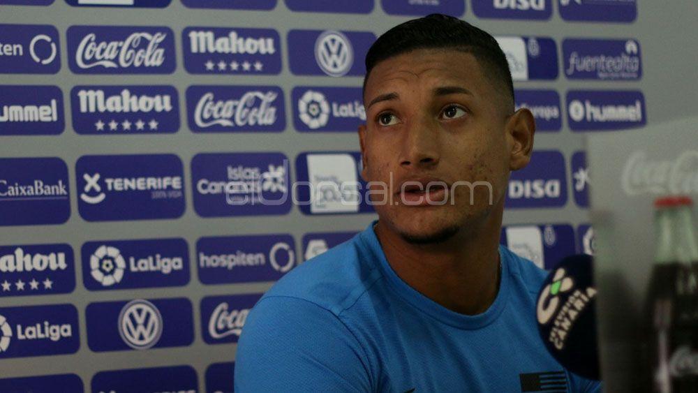 """Acosta: """"Estoy muy contento por Lozano, espero ser el próximo hondureño en Primera y con el CD Tenerife"""""""