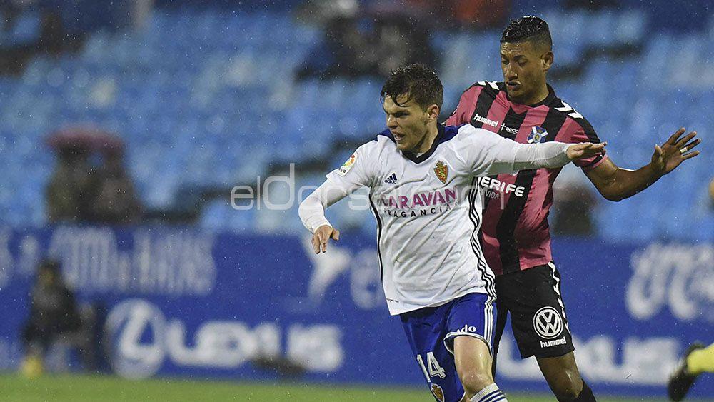 La afición salva a Bryan Acosta de la derrota en Zaragoza