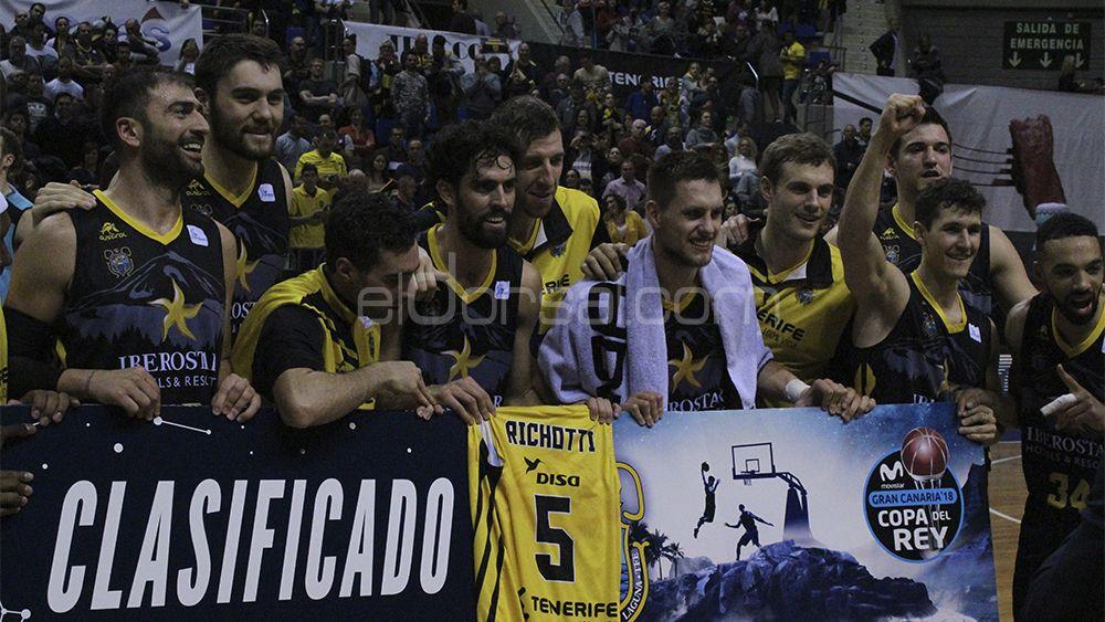 Felicidad en el vestuario del Iberostar Tenerife por lograr el pase a la Copa del Rey