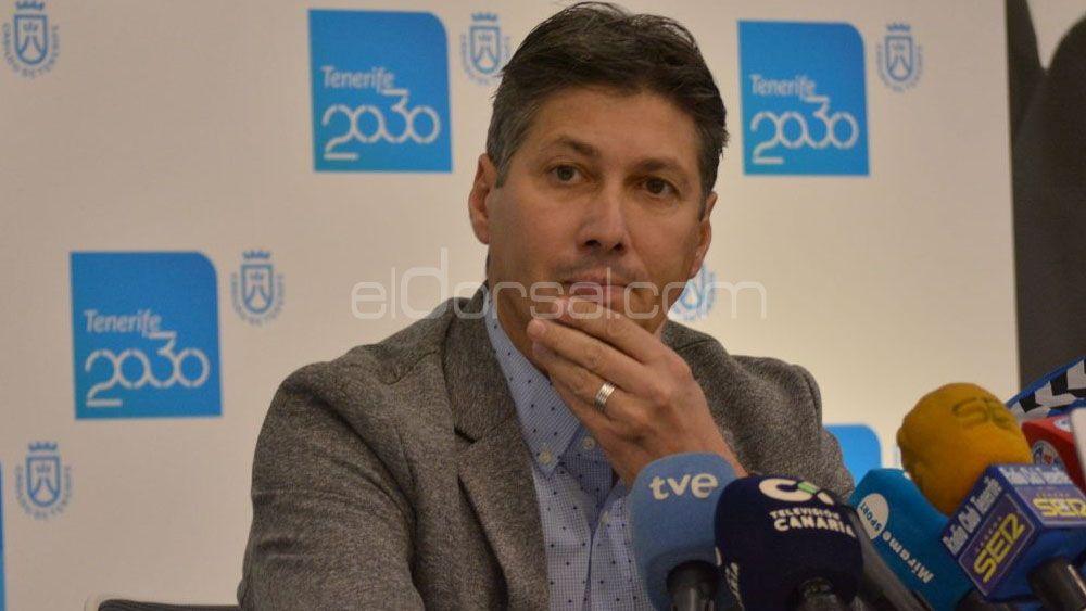 """Alfonso Serrano ratifica a José Luis Martí: """"entrenará en Primera División"""""""
