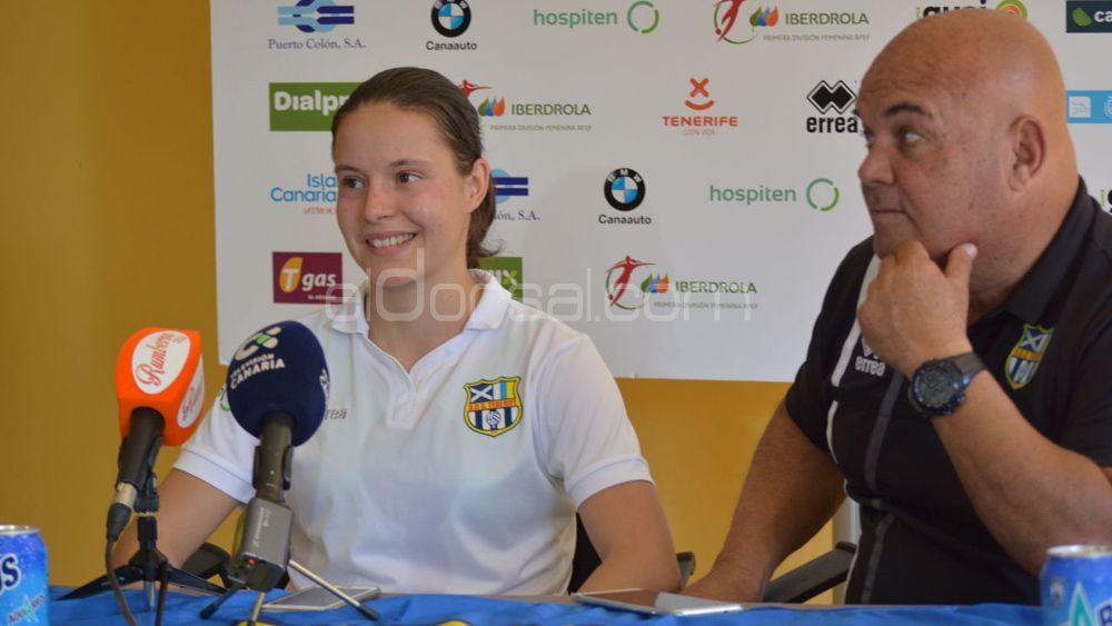 Stefania Vatafu, feliz en su estreno con la UDG Tenerife