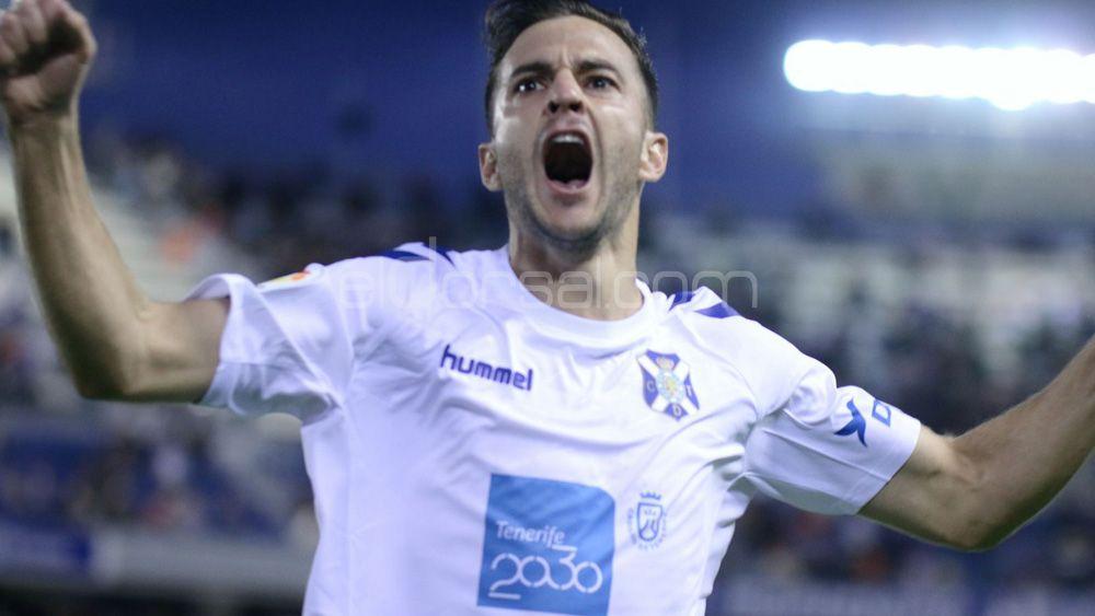 Carnaval de goles y esperanza en el estreno de Etxeberría como técnico del CD Tenerife