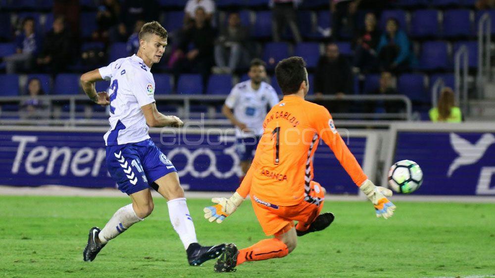 El CD Tenerife, el cuarto equipo que más tira a puerta