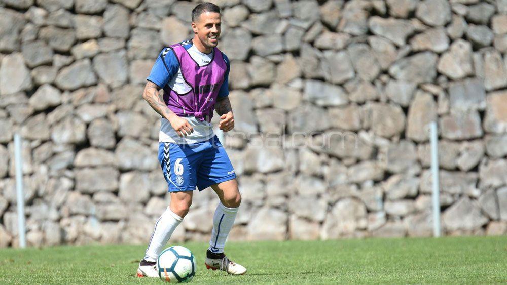 La afición quiere a Vitolo en el centro del campo del CD Tenerife