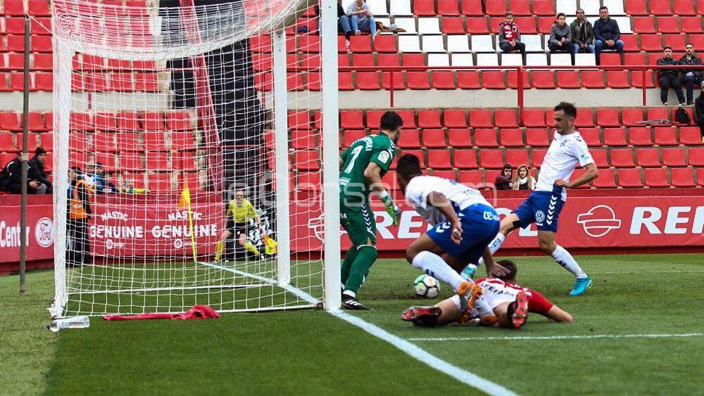 Juan Villar, el mejor jugador del CD Tenerife ante el Nástic de Tarragona