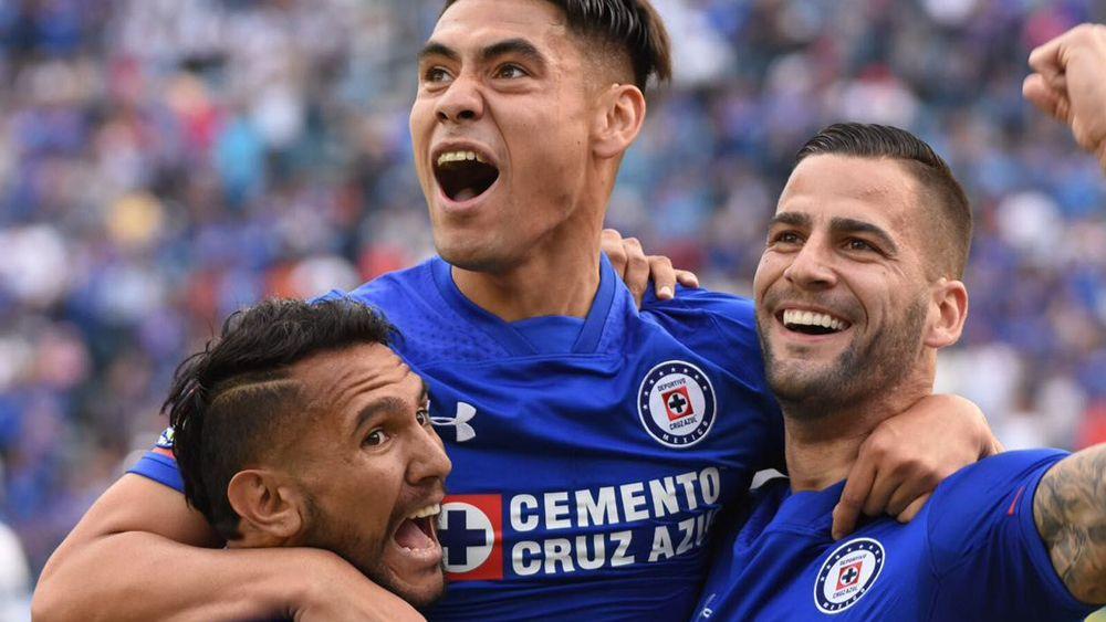 La galopada del ex del CD Tenerife Édgar Méndez en la goleada de Cruz Azul