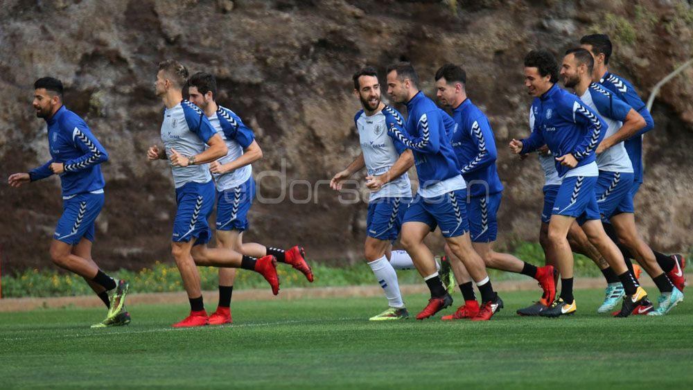 La afición quiere a Juan Villar en el once del CD Tenerife