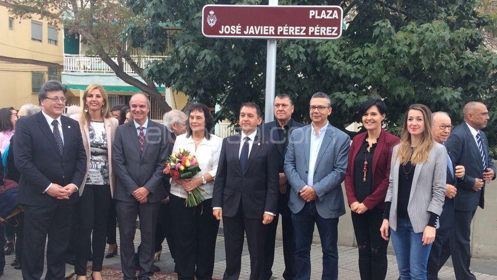 Inaugurada la Plaza Javier Pérez, presidente del CD Tenerife entre 1986 y 2002
