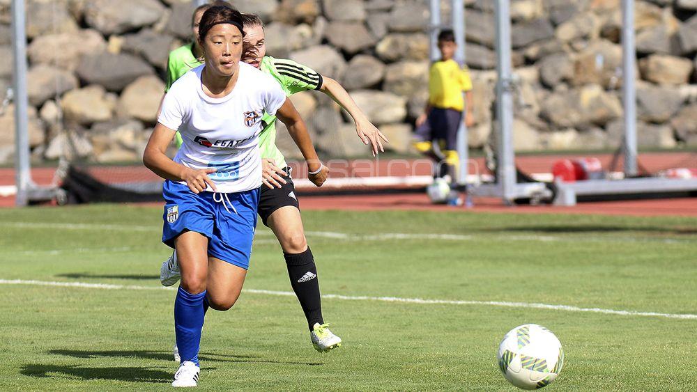 """Ayano Dozono: """"Uno de mis sueños es ganar la Copa de la Reina con la UDG Tenerife"""""""