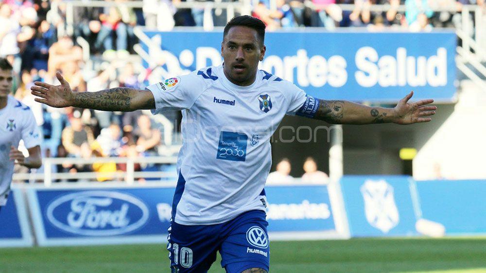 El CD Tenerife vuelve a recortar puntos al playoff