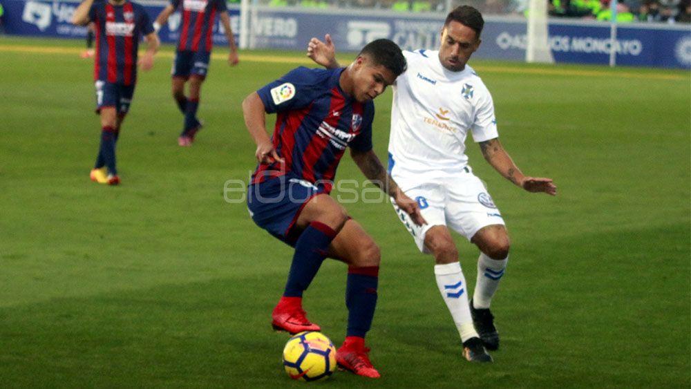El CD Tenerife-Huesca, el 21 de abril a las 17:00 h.c.