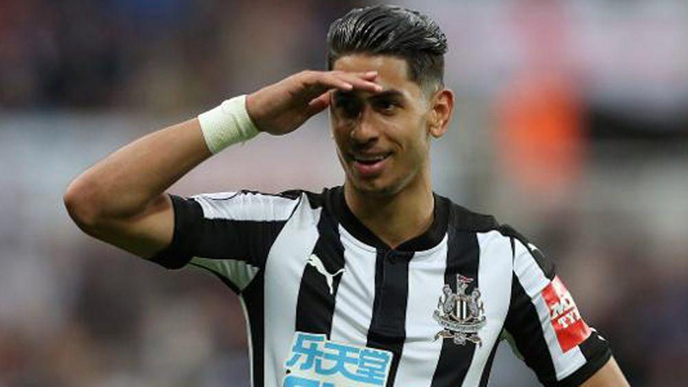 Ayoze Pérez recibe su tercer premio a mejor gol de la temporada con el Newcastle